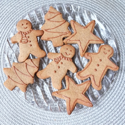 Healthier spiced Christmas biscuits